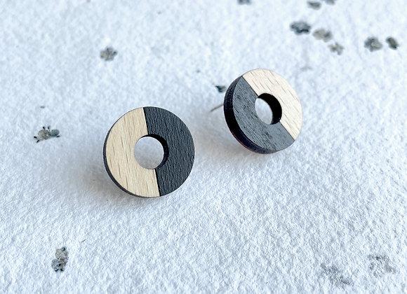 Dřevěné náušnice kruhy černá