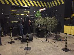 Сцена в клубе