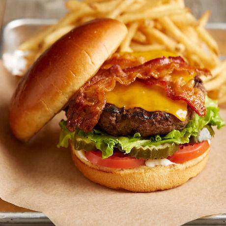 img_58b870e69fbaa9.25046649_Bacon-Ch.-Burger__01-800.jpg