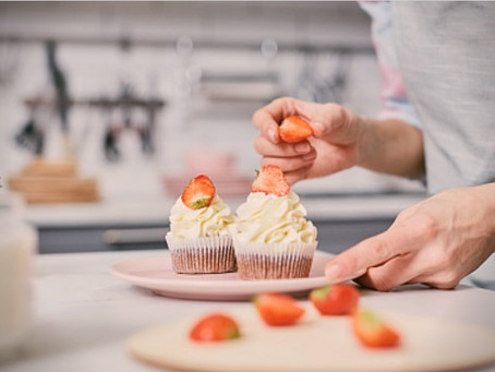 Como fazer Cupcake de Morango?