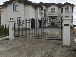 #17 | Aluminum gate