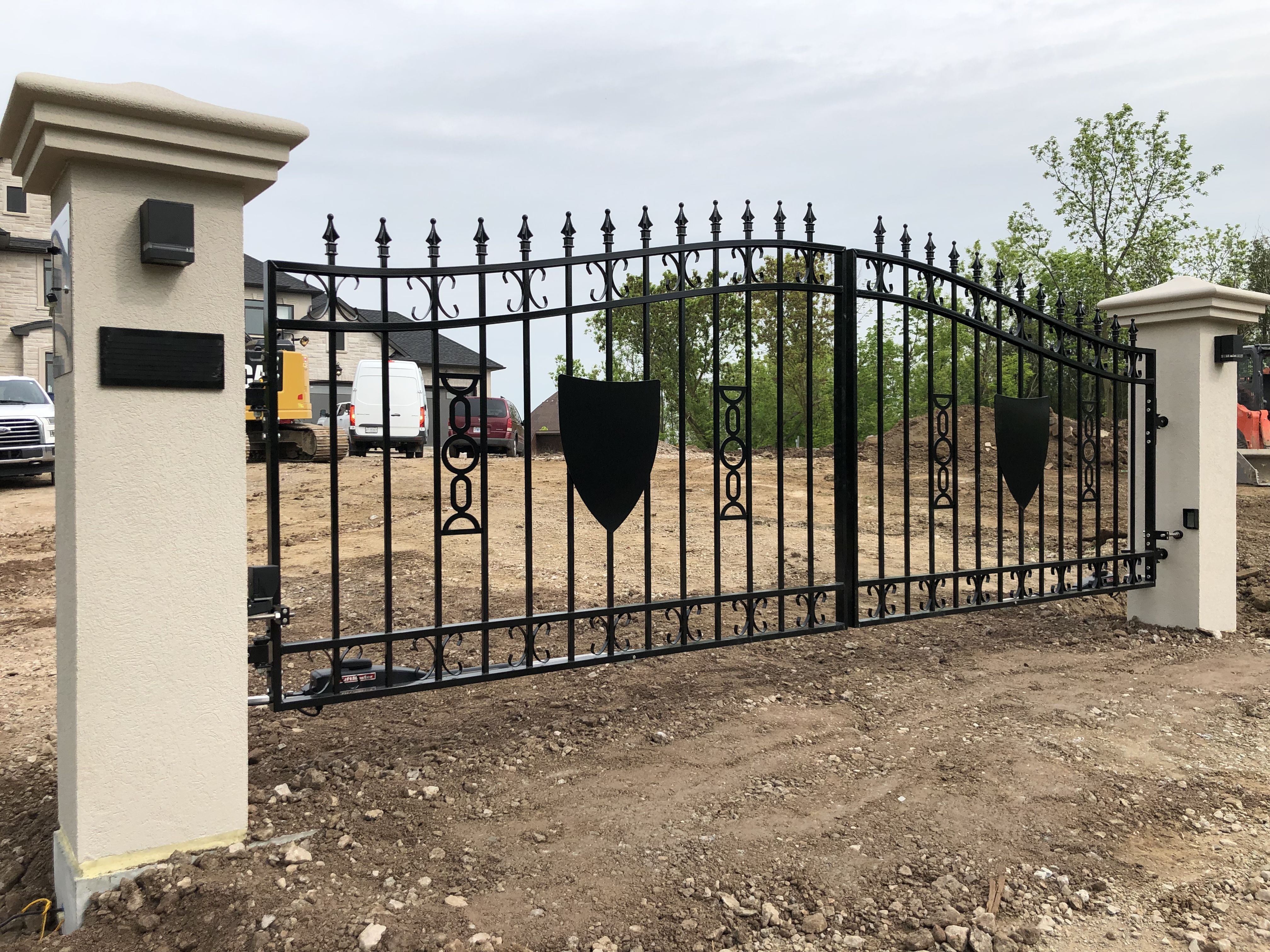 #91 | Dual Aluminum Swing Gate