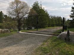 #65 | aluminum posts gate