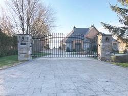 #16 | Aluminum driveway gate