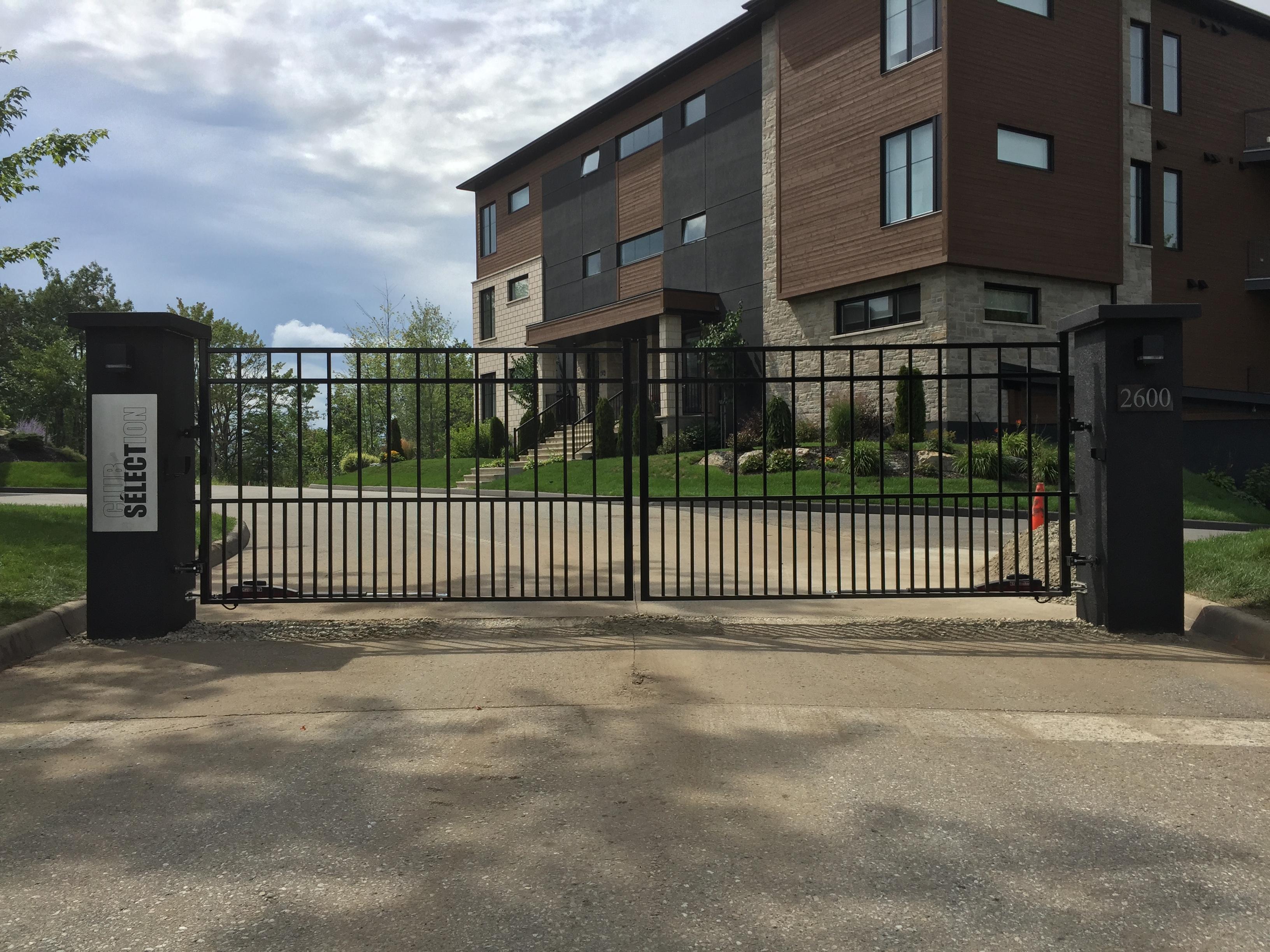 #36 | Aluminum swing gates