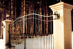 #27 | Aluminum gates