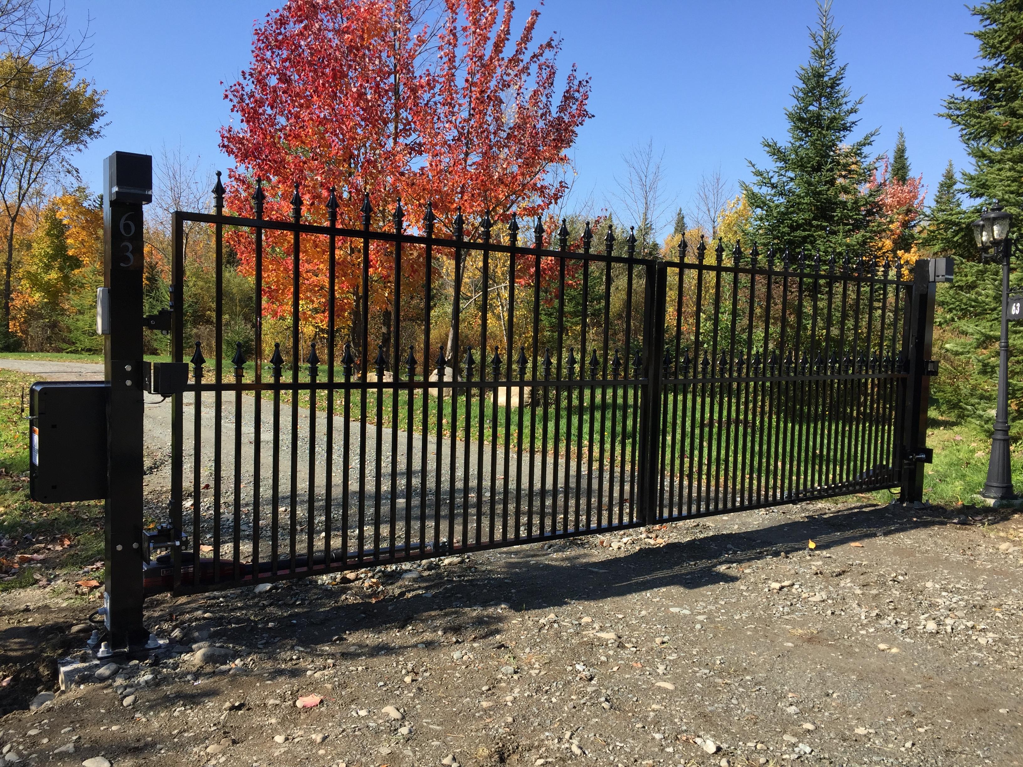 #64 | Posts gate