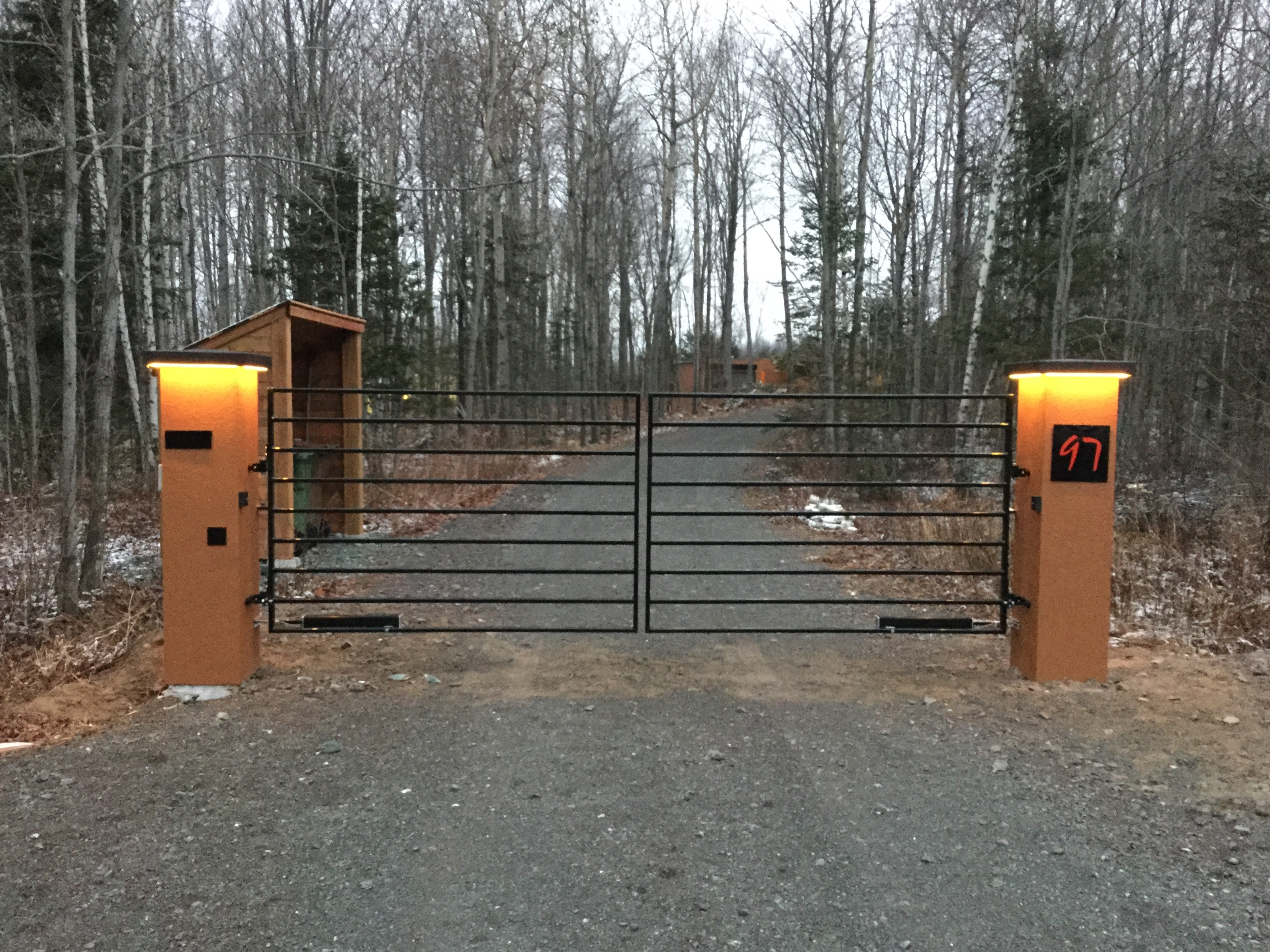 #61 | Gate with LED