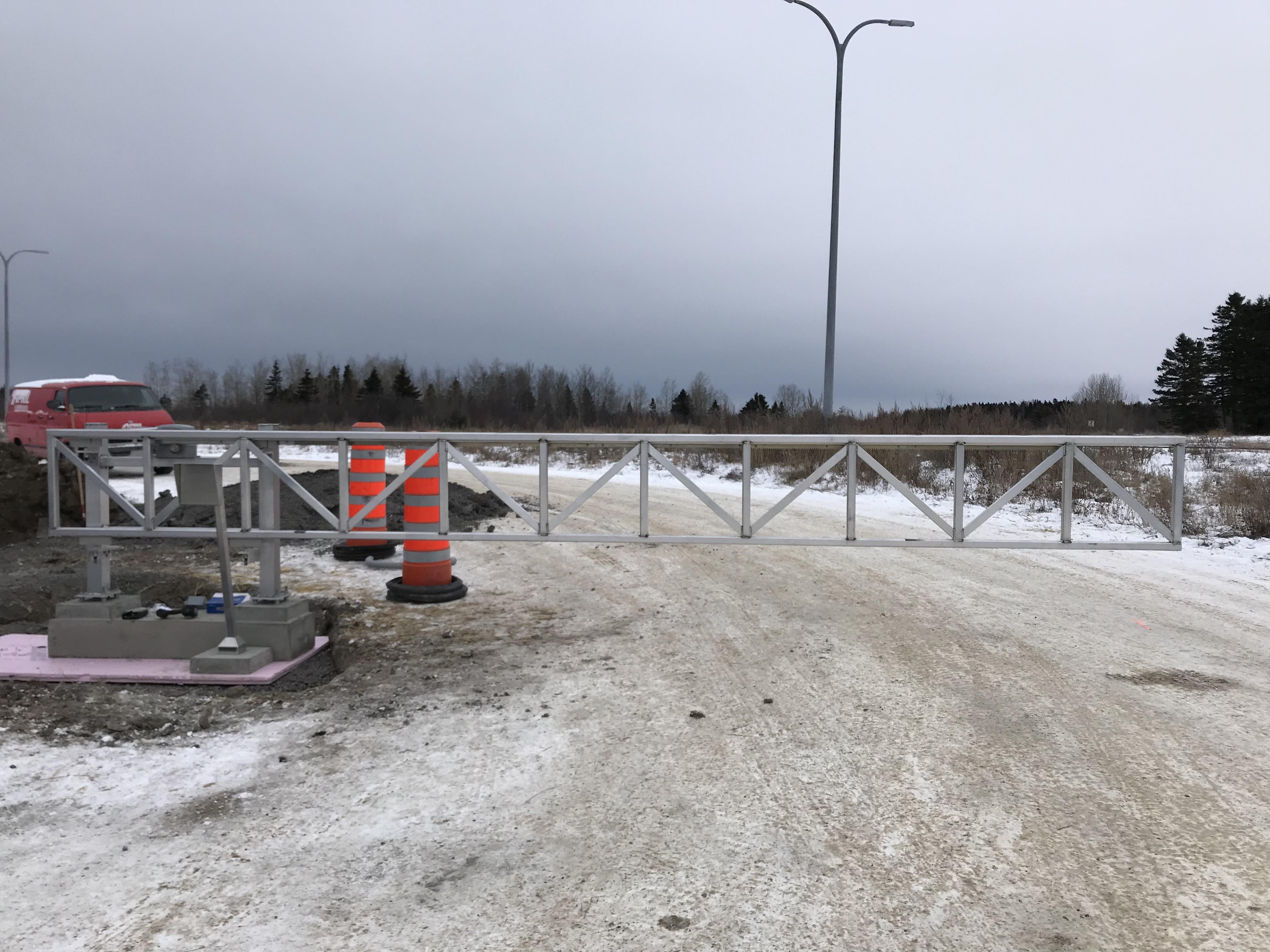 #79 | Aluminum gate