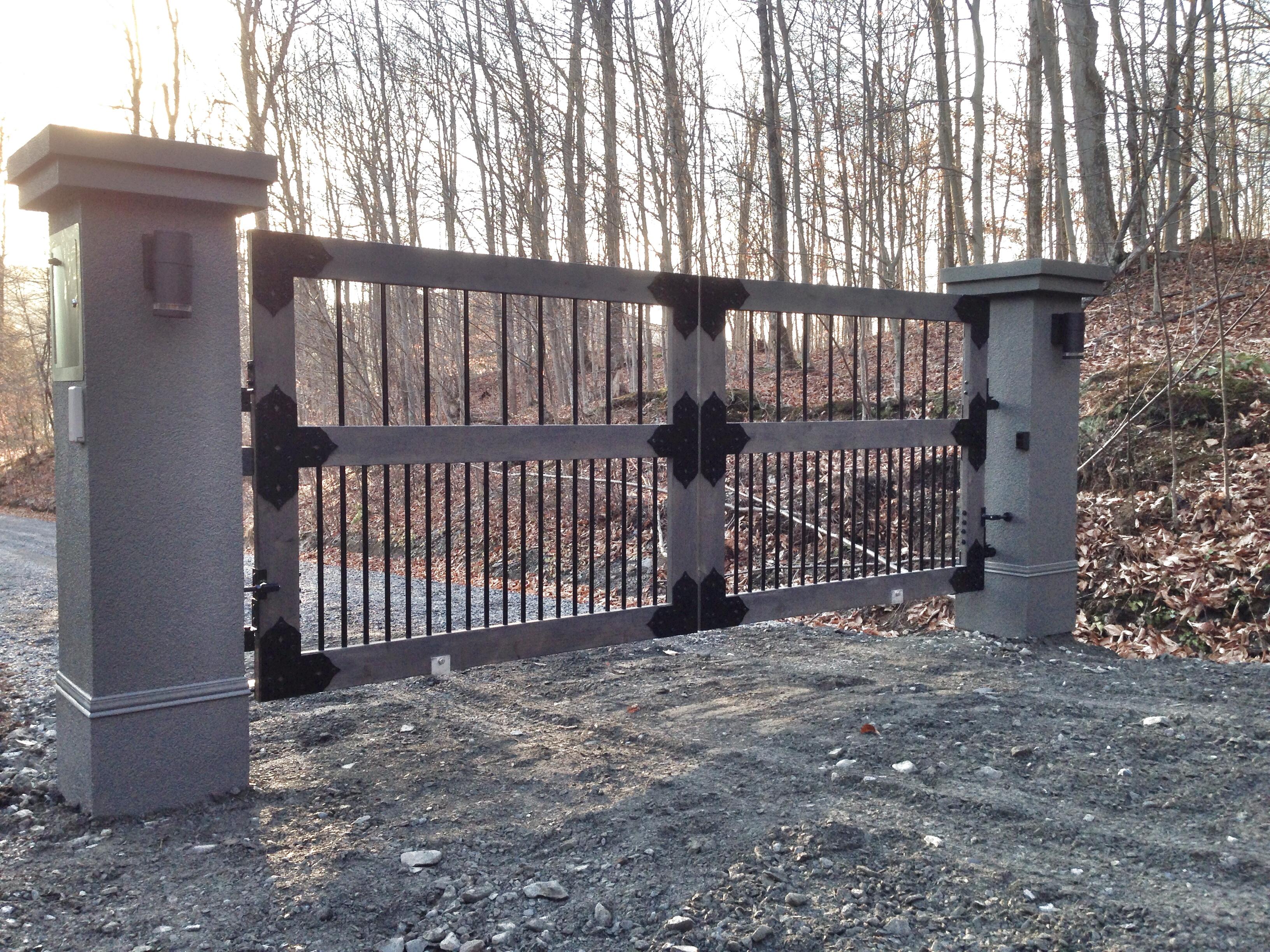 #60 | Wood gates