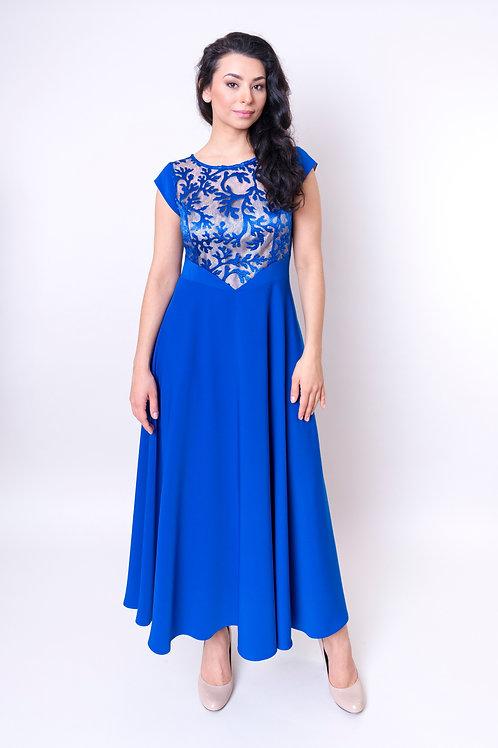 Zjawiskowa sukienka z koronką w kolorze chabrowym