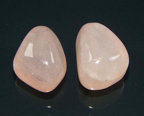 Камень розовый Кварц натуральный 74.25 карат