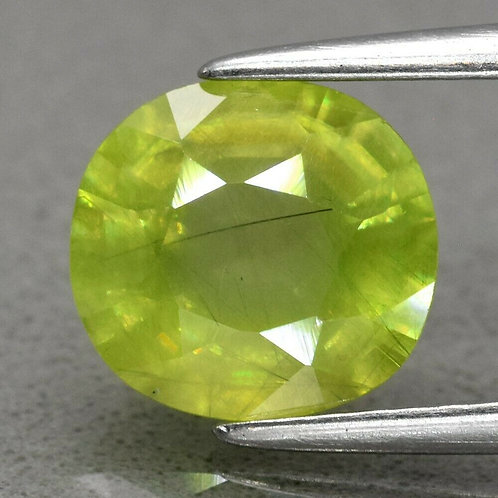 Камень Сфен Титанит натуральный 1.78 карат