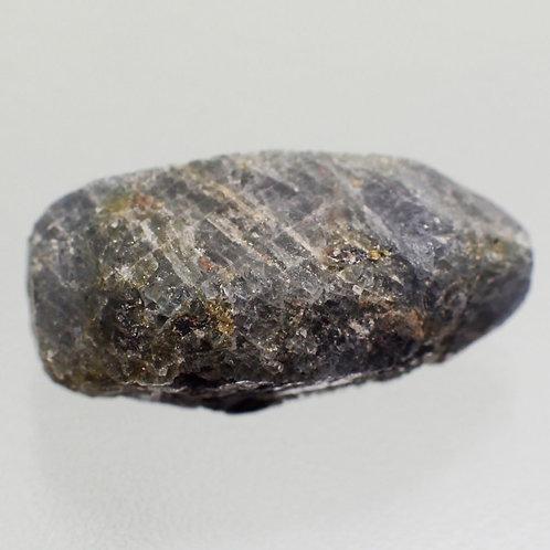 Минерал корунд натуральный 19.67 карат