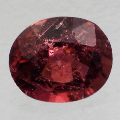 Камень турмалин натуральный 0.66 карат
