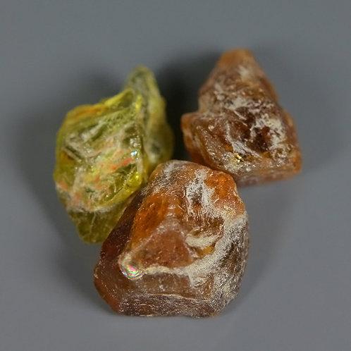 Минерал Турмалина натуральный 10.95 карат 3 шт