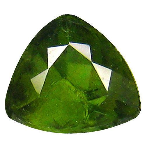 Корнерупин камень купить. Корнерупин ограненный зеленый