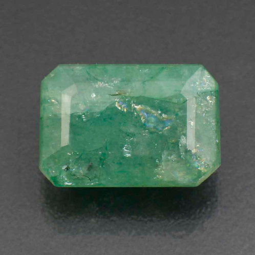 Камень зелёный берилл натуральный 4.50 карат