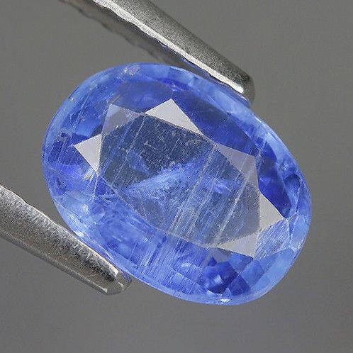 Камень Кианит натуральный 1.35 карат