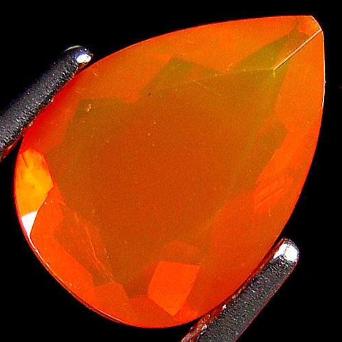Камень огненный опал натуральный 1.50 карат