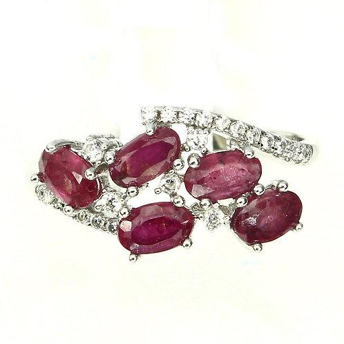 Купить кольцо с красным рубином. Рубин в серебре
