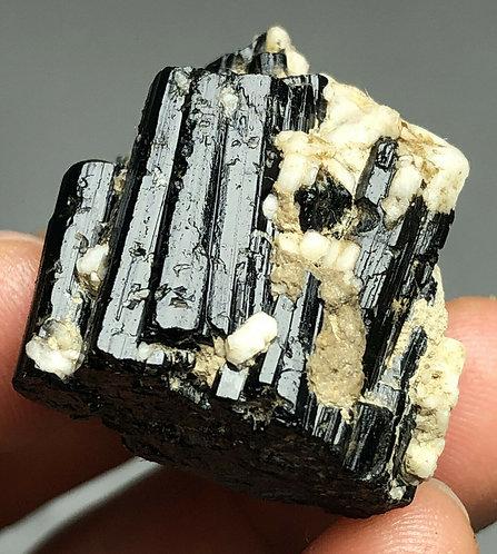 Минерал Турмалина 13 грамм натуральный
