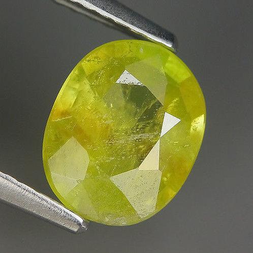 Камень Сфен Титанит натуральный 1.40  карат!