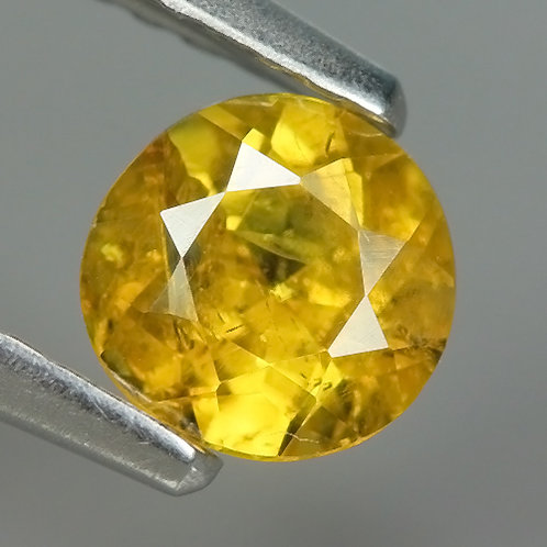Камень Сфен натуральный  0.62 карат!