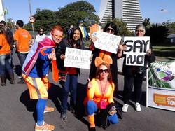 Grupo de Holandeses apoiando a campanha
