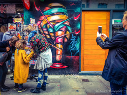 "shooting ""live"" street art"