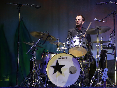 Ringo Starr & Colin Hay & friends