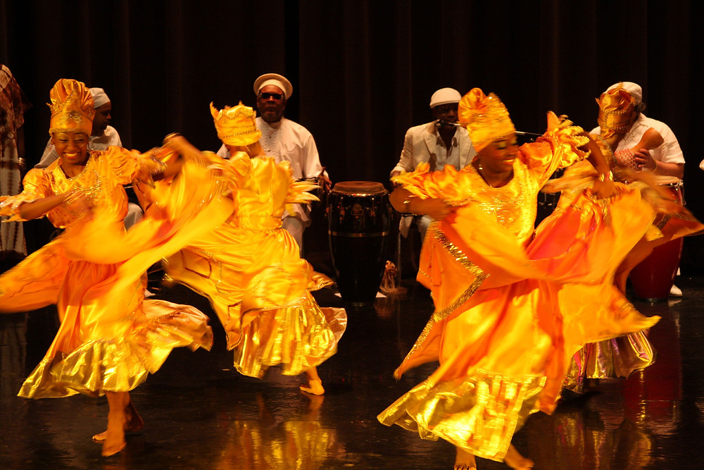 Oshun dancers and drummers.