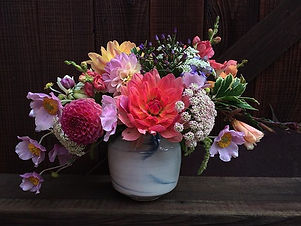 Welcome bouquet. Brought out the sunshine!_._._._._.jpg