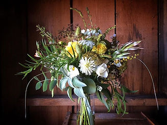 Bridal bouquet with a wild flower feel💛