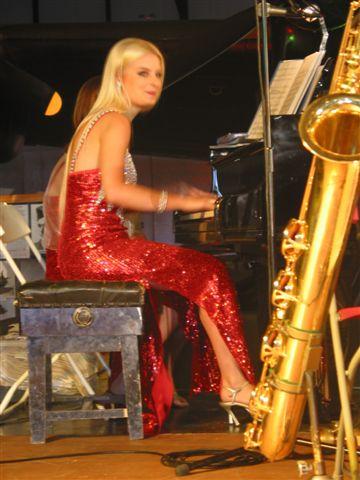 Helen piano.bmp
