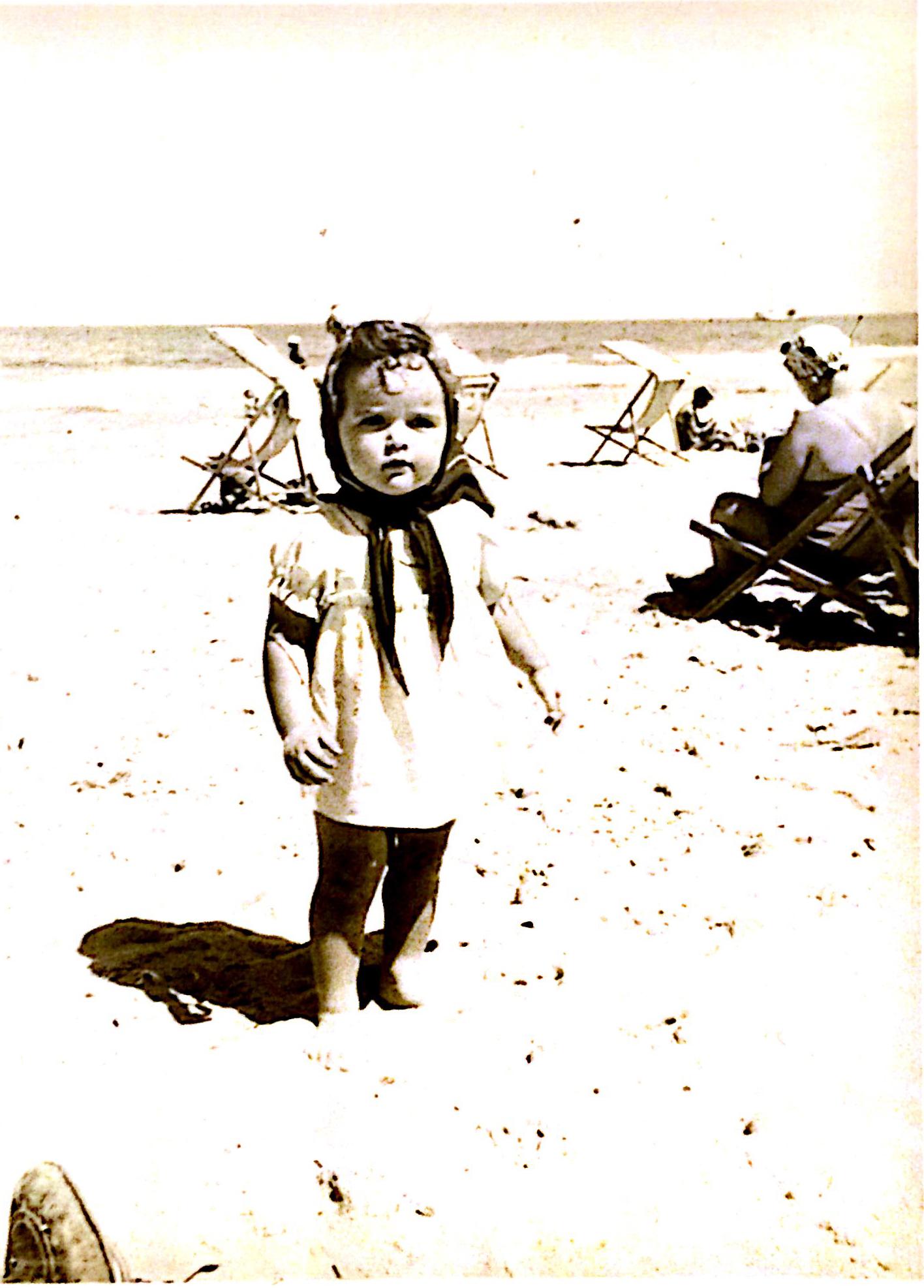 בחוף תל-אביב