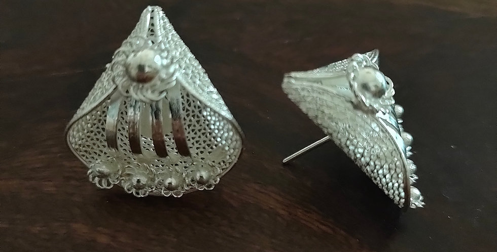 Silver Filigree Petal Stud Earrings ( Large)