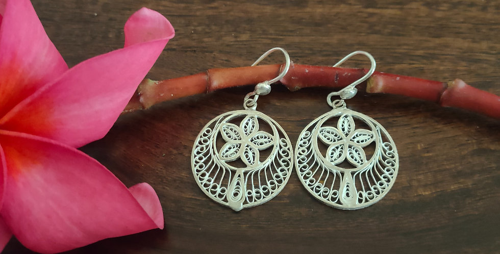 Silver Filigree Stylized Round Earrings with Motif