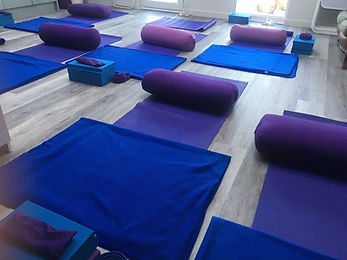 Complete Balance, Worthing,Restorative Yoga, Functonal Yoga, Small Classes, Private Studio, Moblity, Stress, Private Sessions, Rest and Digest, Range of Movment