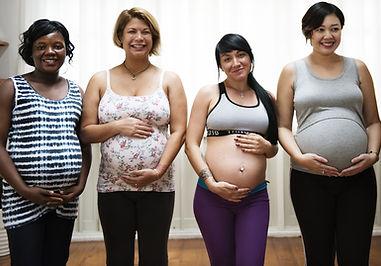 Pregnant women in Hypnobirth class