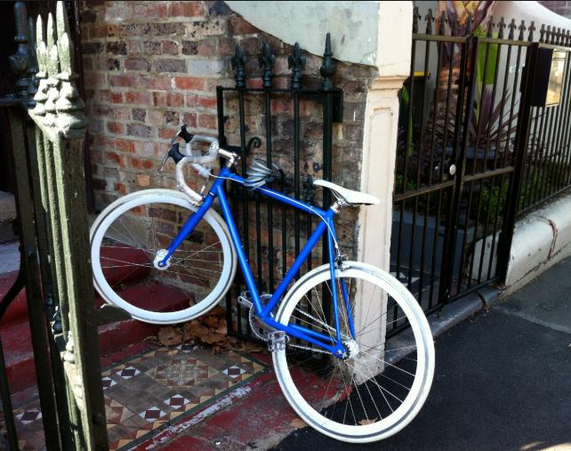 風水玄関の自転車を効果的に配置する コンテンポラリー風水フジワラユカ