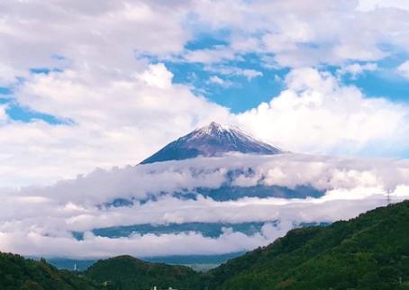 【即位礼正殿の儀】雨はやみ、虹が現れ、富士山初冠雪。神秘の国日本が世界に伝わった1日✨