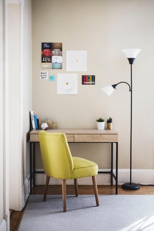 書斎や子ども部屋の机と椅子の配置 子育て風水 コンテンポラリー風水コンサルタントフジワラユカ