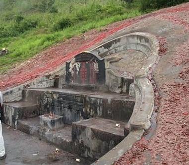 【古来の風水】風雨を凌げる高台の最高の立地の探求はお墓が始まりだった