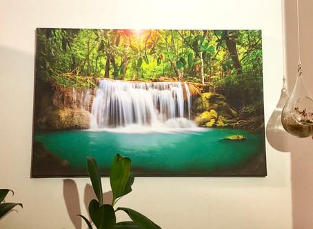 【風水】財運をサポートするシンボル「滝」のアート