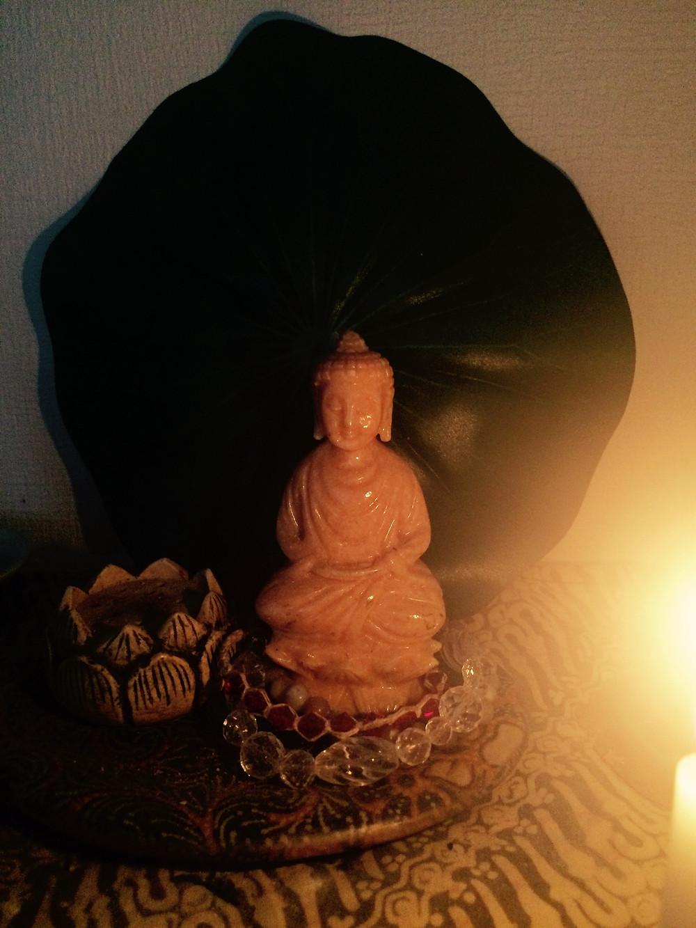 仏像や祈りの場所の風水