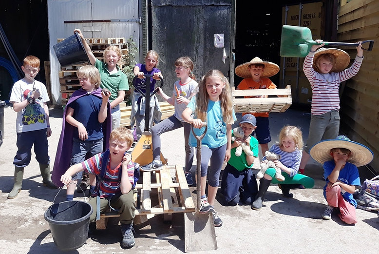 Farm kids 1 s.jpg