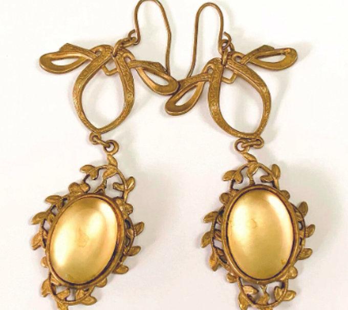 gold bow earrings.jpg