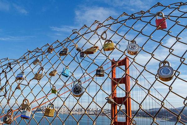 s_lots_of_locks.jpg