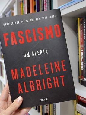 Fascismo, um alerta